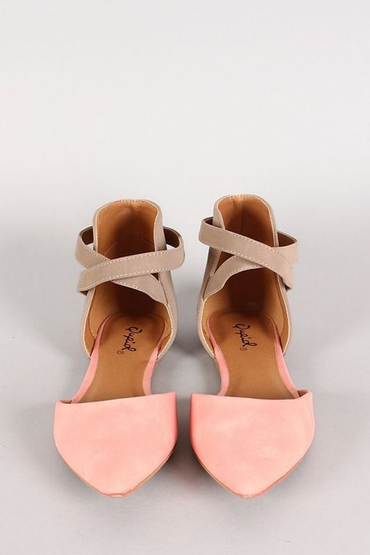 Cool 33 Eye-Catching Outfits With Pink Flat Shoes from http://www.fashionetter.com/2017/04/12/eye-catching-outfits-with-pink-flat-shoes/