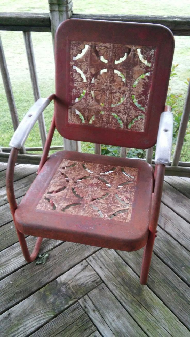 This is the chair that goes with the glider. They'll be pretty again when I am done with them.