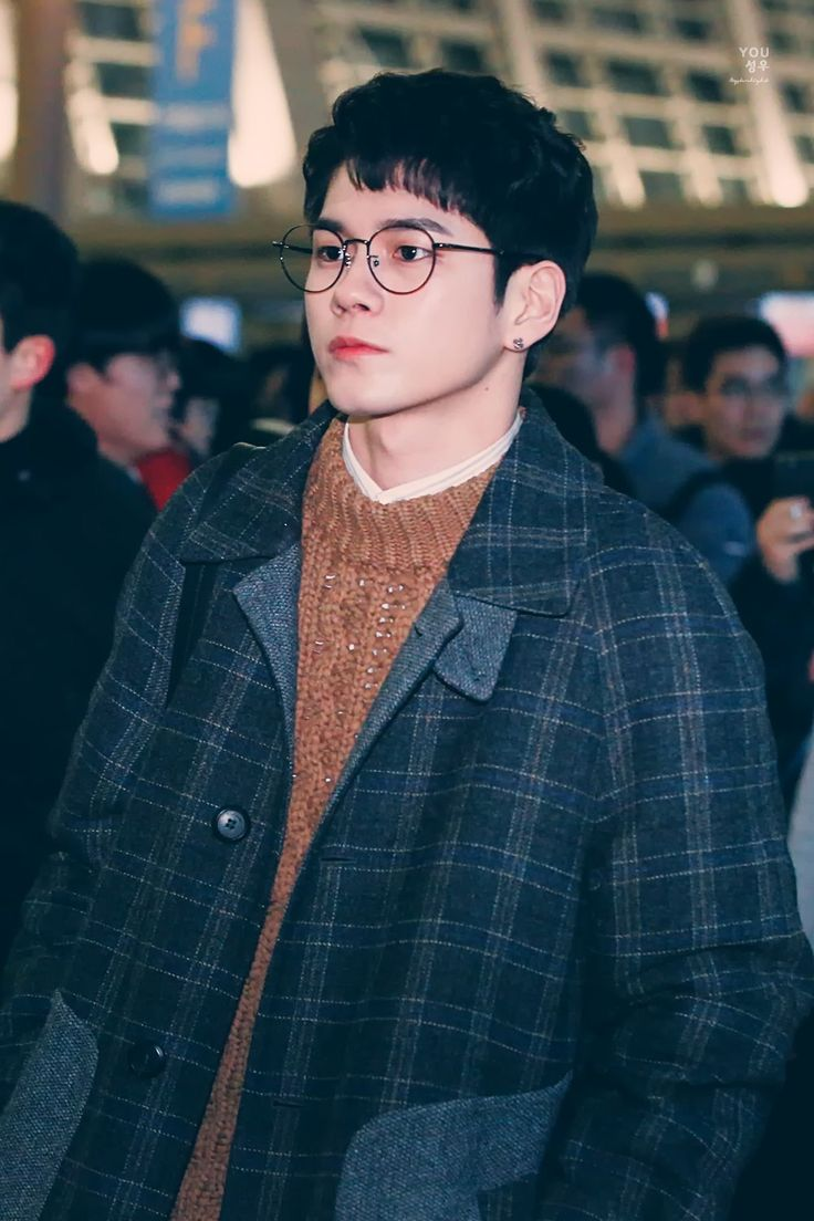 180113 Wanna One at ICN Airport go to Macau  #Ong