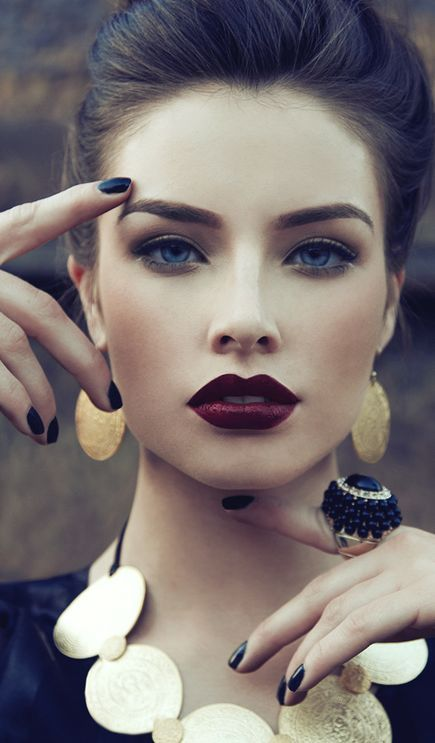 DEEP RED LIPS EASY ON THE EYES W/GOLD AND NAVY DRESS: