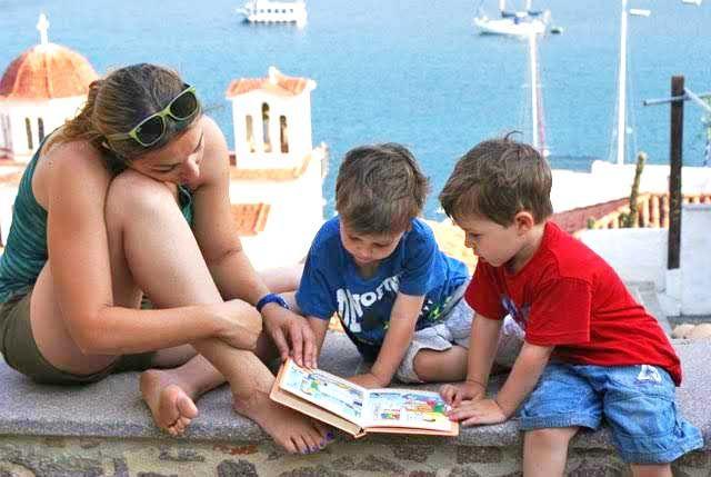 Eτοιμάσου για το πρώτο ταξίδι με το μωρό, με τα family travel tips της Εύης Σταθάτου, mom blogger του MyTwins.gr! #familytravel #interviews #traveltips