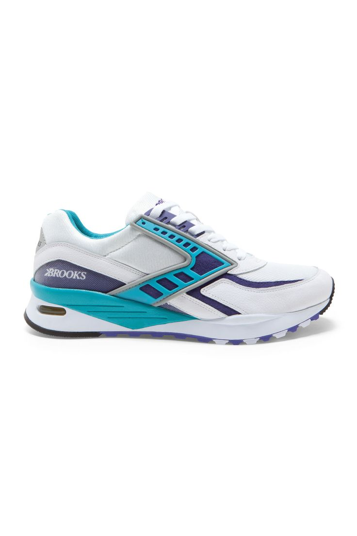 A fresh take on retro runners that stand out from the pack. Regent running  shoe