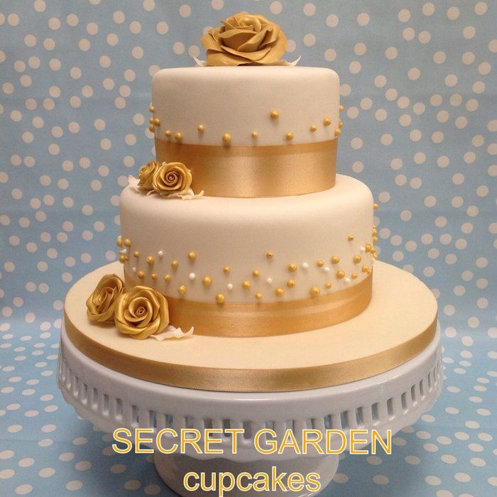 Wedding cake in Gold and Ivory 14