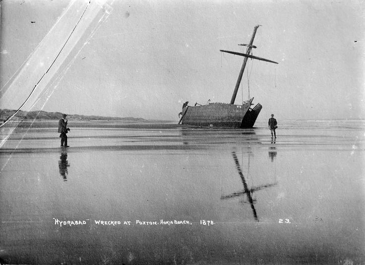 Wreck of the ship Hydrabad at Waitarere Beach 1878