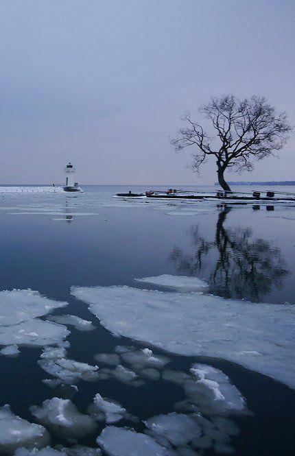 Hjo lighthouse in lake Vättern, Västra Götaland County, Sweden | by Wupperradler
