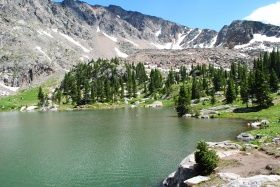 These Colorado Lakes Make Great Hiking Destinations