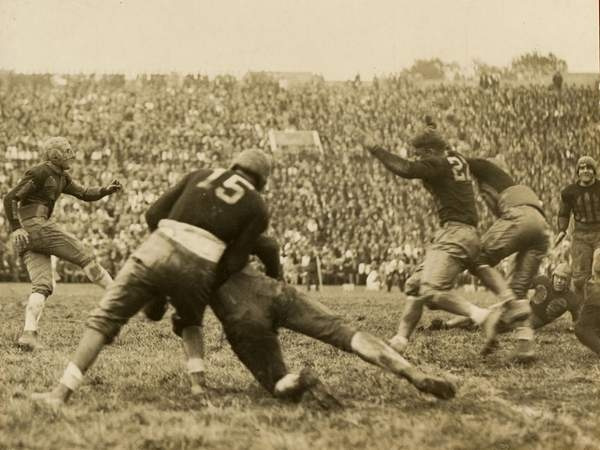 January 1, 1926: The University of Alabama football team wins the Rose Bowl. This was the first of six Rose Bowl appearances for Alabama and the first time a southern football team was invited to play in a national bowl game.