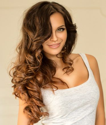 This gorgeous Clipinhair Ombre offers a sexy, subtle change that will capture just the right amount of attention. The luscious Dark Brown roots seamlessly melt into Chestnut brown ends, affording you a commitment-free, stylish Ombre look with Clipinhair's very own Remy human hair Extensions. For fine to medium hair, we recommend 120gram sets. For thicker hair we suggest 160gram sets for optimal blending.