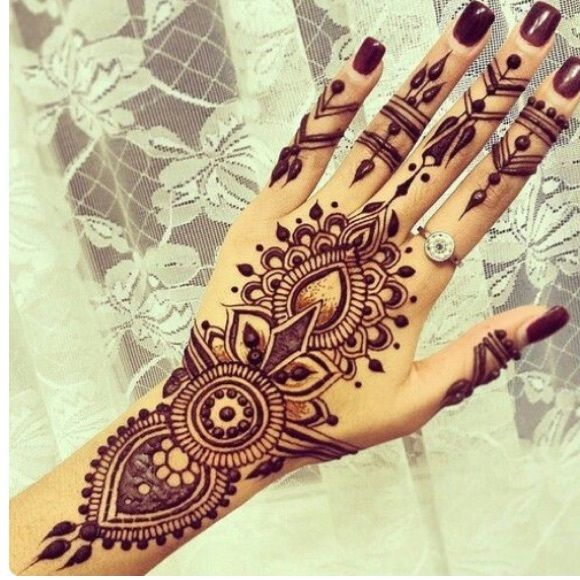 The 25 Best Ideas About Black Henna On Pinterest  Henna Hand Designs Henna