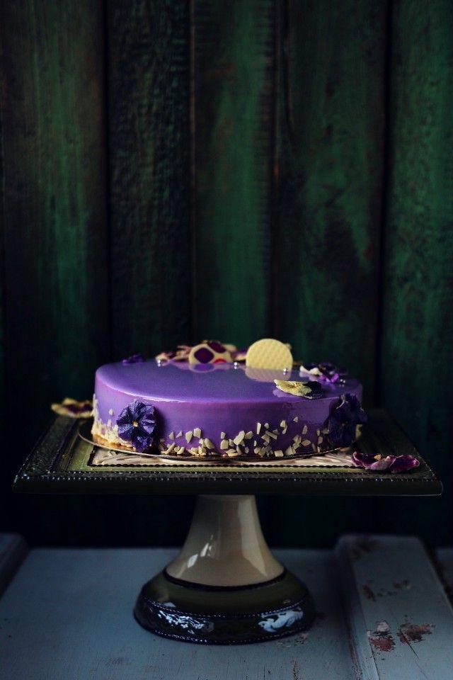 Фиалковый торт с черной смородиной » Рецепты » Кулинарный журнал Насти Понедельник. Кулинарные рецепты с фото.
