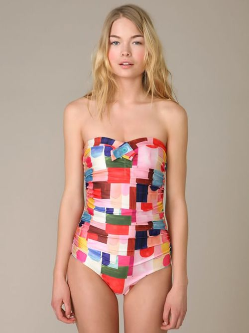 This is a pretty adorable bathing suit. I always manage to look awkward in 1 pieces.