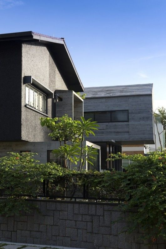 The Extended House / Formwerkz Architects