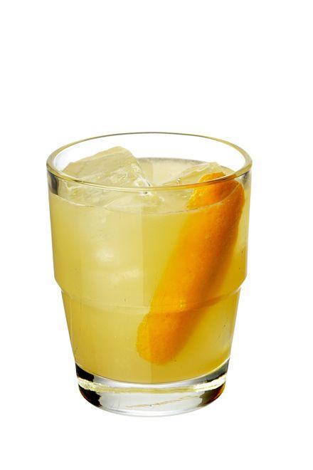 to make a devil's share use raiz fresca de gengibre (porção pequena), bourbon whiskey, suco fresco de laranja, suco fresco de limão siciliano, xarope de maple