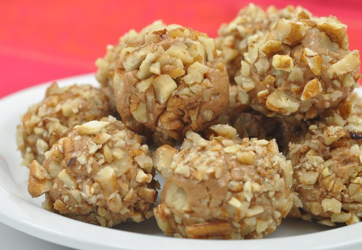 Chocolate, brown sugar, vanilla, butter and nuts rolled into one tasty little ball of bite-sized goodness. These butterscotch treats are ready in under 20 minutes. This easy and quick recipe is great for kids too.
