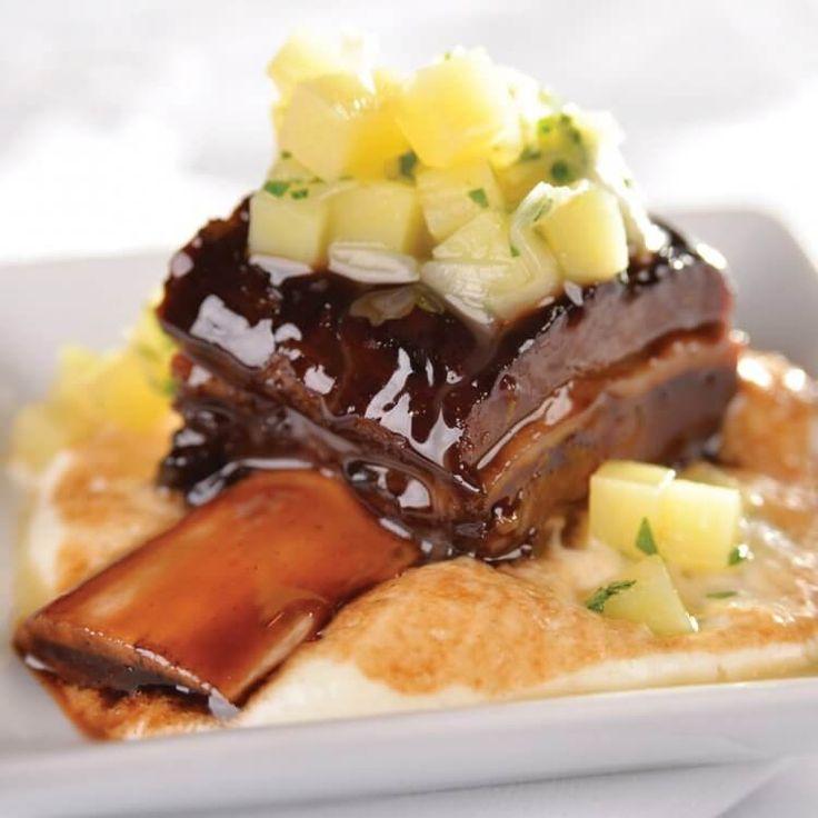 Bouts de côtes de bison braisés, crème à L'Hercule de Charlevoix, étuvé de poireau et pomme de terre | Recettes d'ici