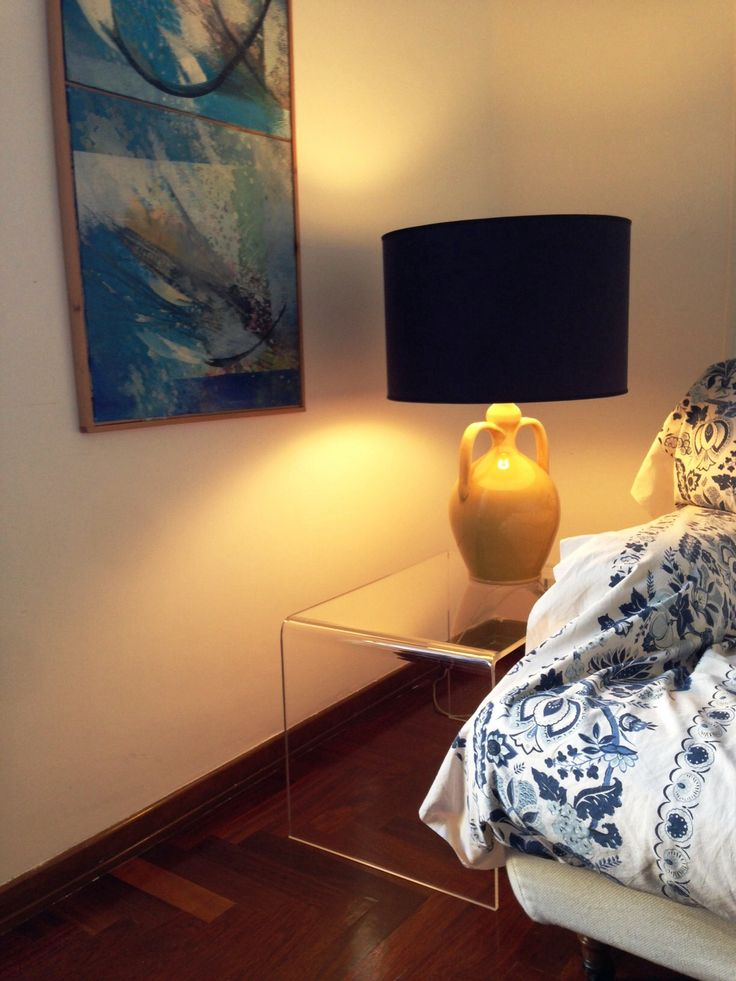Daniela's clear acrylic table.  #table #design #plexiglass #designtrasparente #verona #shopping #online
