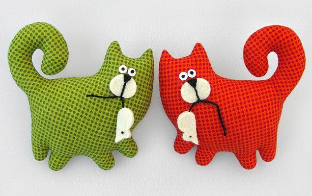 Gatos cazando ratones!