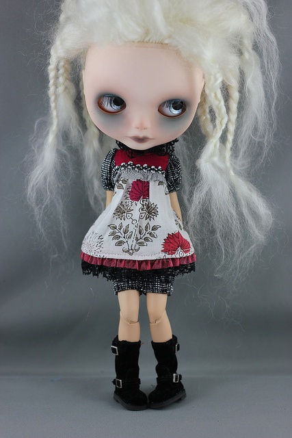 sweet outfit for blythe