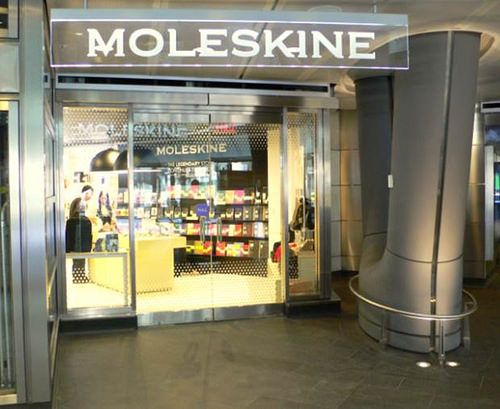 Moleskine Store I New York Fulton Center  New York, 10038 200 Broadway Fulton Center Monday/Friday 7.00 am - 9.00 pm Saturday/Sunday 9.00 am - 6.00 pm