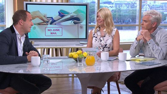 How to stop spam calls, texts, junk mail and cold callers  | Hot Topics | This Morning