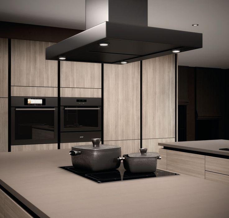 """Se não gosta ou está cansado dos armários de cozinha, o nosso papel autocolante é o ideal para fazer""""obra"""" sem obras."""