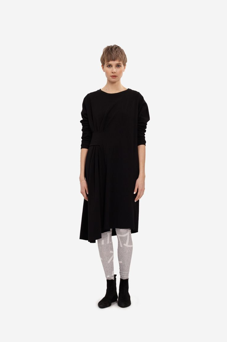 FANCY COTTON DRESS Shorthaired model wearing a cotton sweatshirt dress with long sleeves and belt on side with original printed leggings.