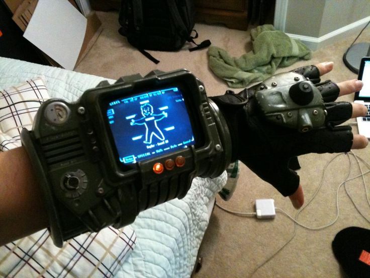 Fallout 3 Pipboy 3000 by Zachariah Cruse