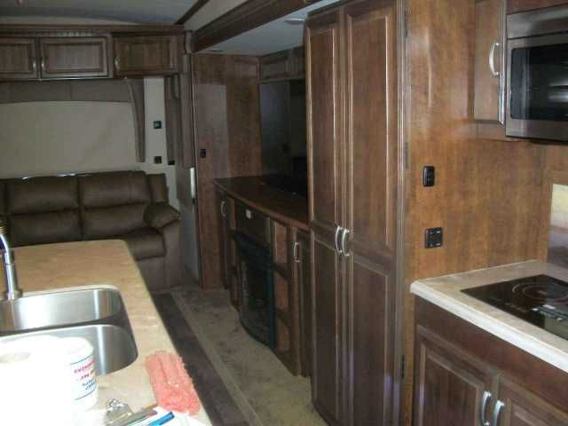 2016 New Forest River CARDINAL 3850RL Fifth Wheel in Tennessee TN.Recreational Vehicle, rv, THE NEW CARDINAL ESTATE IS HERE. THIS IS UNIT IS LOADED WITH AUTO LEVEL UP,3 A/C'S MANUAL POWER CORD REEL,DOUBLE DRAWER DISHWASHER,DEXTER 8000LA AXLES,RESIDENTAL REFG,FULL BODY PAINT, GENY PREP, DUAL PANE WINDOWS, PLUS TONS MORE
