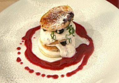 Lasagne vom Blaubeer-Buttermilch-Pfannekuchen a la Henssler - Rezept