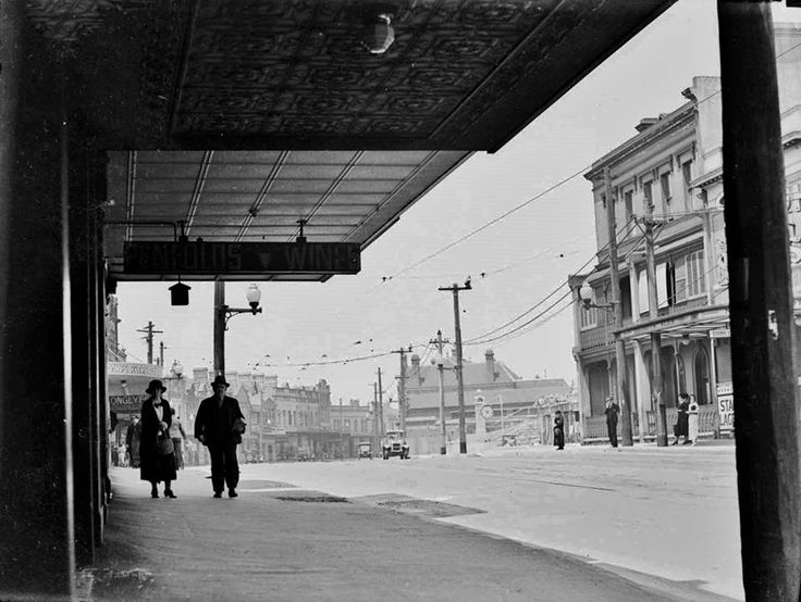 Oxford Street, Paddington, 1920.