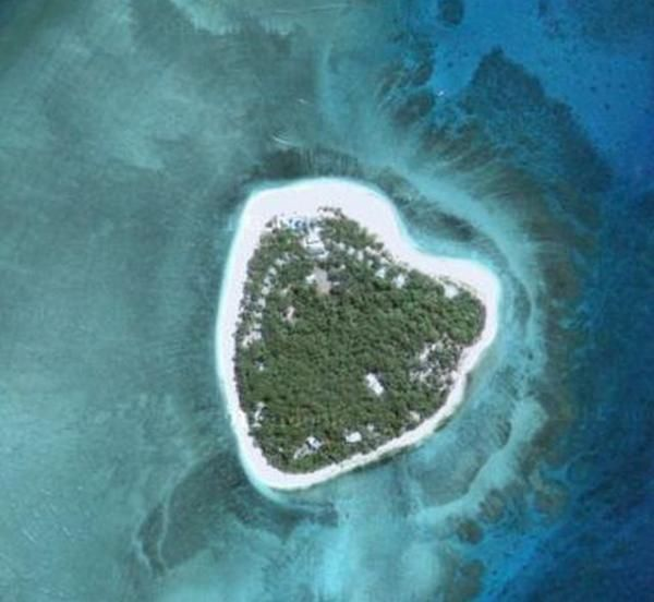 It's a love island too!   ~ Pulau Tavarua, Fiji