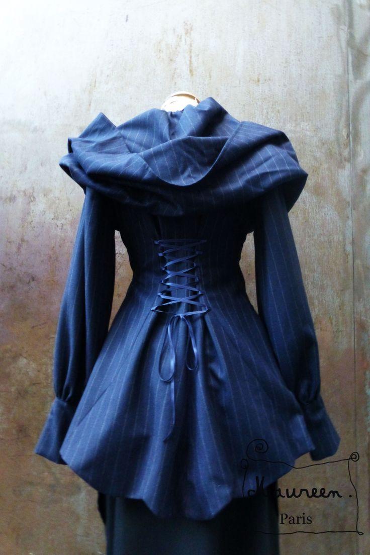 Veste redingote à capuche bleu marine