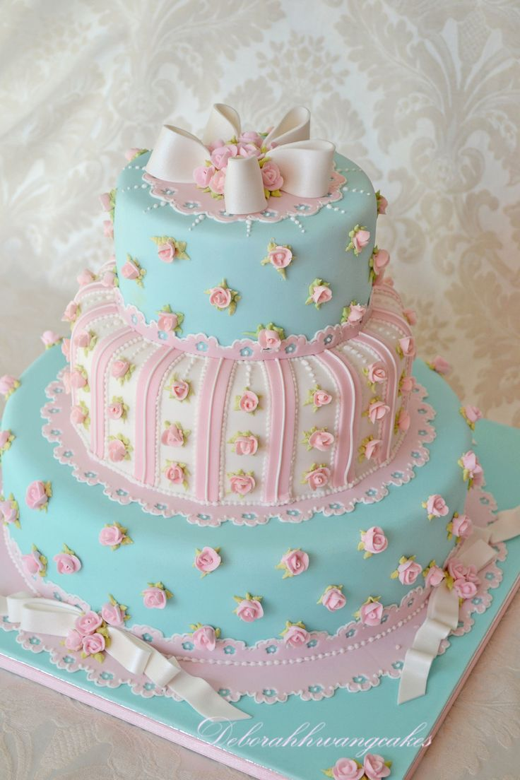 Cath Kidston Inspired Wedding Cake I made this cake for Squires Kitchen's Wedding cake showroom and it was later featured in the Cakes...