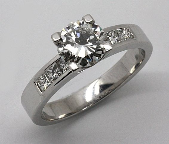 Handmade 18ct White Gold Diamond Engagement Ring.