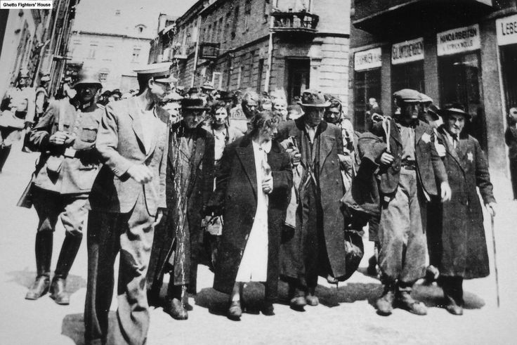 Jews being deported from the Chrzanow ghetto