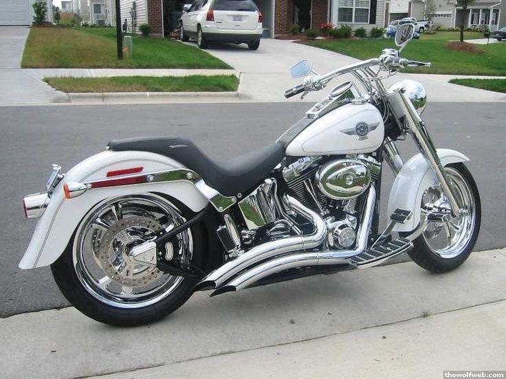 White Harley Davidson: Pearl White Harley Davidson