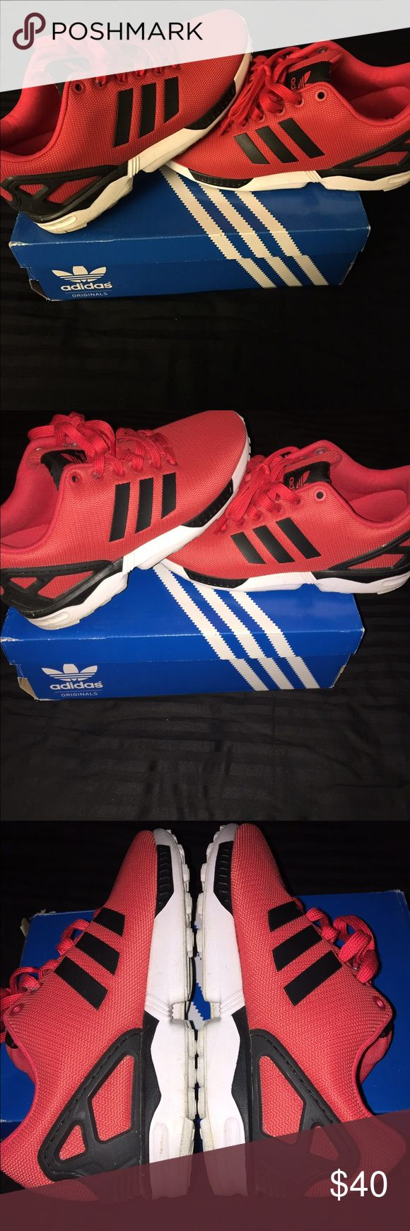ADIDAS ZX FLUX Men's 6 1/2 women's 8 VERY comfortable sneakers. Worn a few times, little signs of wear as seen on pictures. Adidas Shoes Sneakers