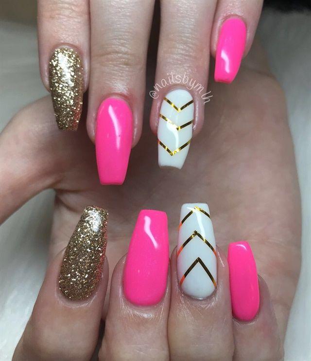 Day 141 Hot Pink And Gold Chevron Nail Art Pink Gel Nails Chevron Nails Pretty Acrylic Nails