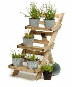 Could be recreated with an old wooden ladder, provided the steps are deep enough.