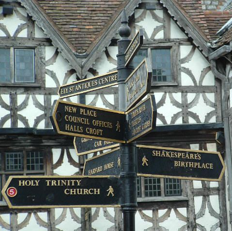 Stratford-upon-Avon - probably one of my most favorite places in the world...that I've never been to. :-/