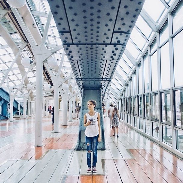 Sasha Levin Tracks Symmetry in Architecture Using People as Focal Points (5/12)