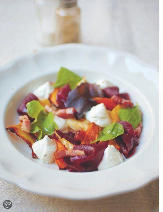 Salade van puylinzen met geitenkaas, bietjes en een dillevinaigrette.  Chez Rachel - Rachel Khoo  (Klik op de foto en kijk in het inkijkexemplaar voor het recept!)