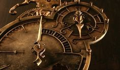 Eso de la teoría de la relatividad y los viajes en el tiempo son todo un dolor de cabeza. ¿Verdad? No hay quién lo entienda y, al final, parece un galimatías sin sentido. Vamos a echarle un vistazo pero, de verdad, sin que nos dé dolor de cabeza. #astronomia #ciencia