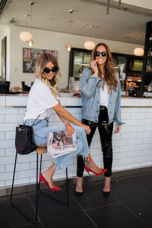 Love the red heels with casual outfit