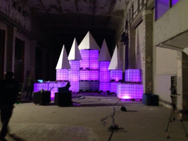 Building the stage for Metamorphosa in an abandoned laboratory hall