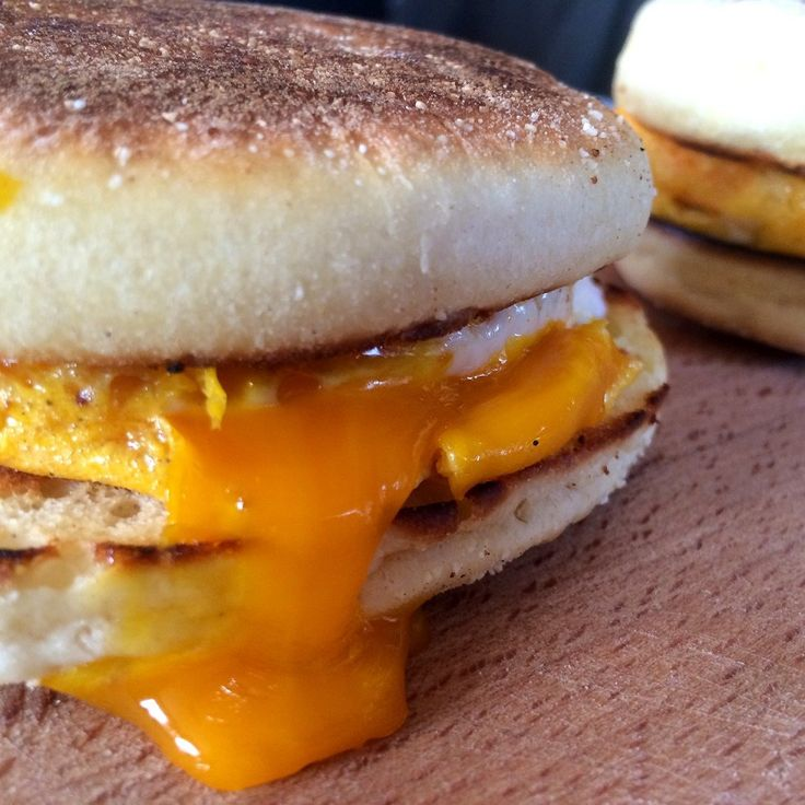 english muffin with egg