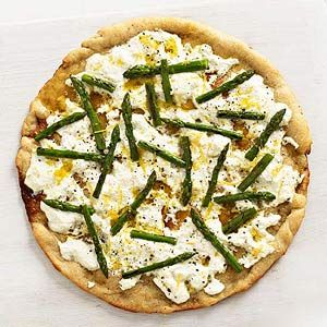 Light, refreshing, and ultra-savory, this asparagus ricotta pizza is the perfect dinner.