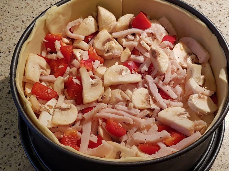 Deze quiche uit de airfryer is heel makkelijk te maken en ook nog eens super lekker. Ook als je geen airfryer hebt kun je deze in de oven maken.