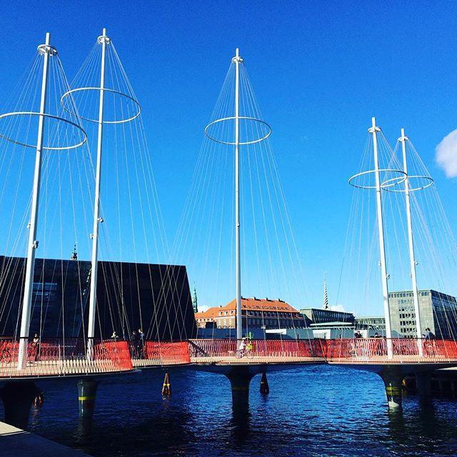 https://flic.kr/p/yJEVqn | #Copenhagen #København #sharecph #voreskbh #delditkbh #cirkelbroen |   13 Likes on Instagram
