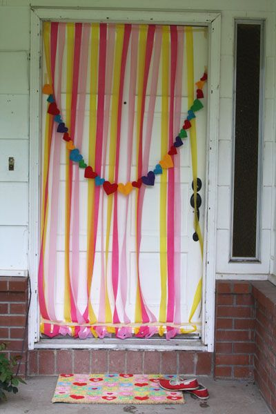 homemade photo booth for a girls bday party, adorable!